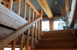2층카페 계단